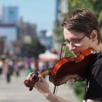 Уличный музыкант... :: Марат Шарипов