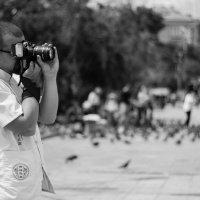 Фотограф в городе :: Марина Кириллова