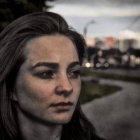 Прохожая во мраке :: Юрий Плеханов