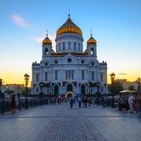 Путь к Храму Христа Спасителя. :: Анатолий Щербак