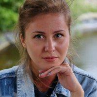 В беседке. :: Александр Бабаев