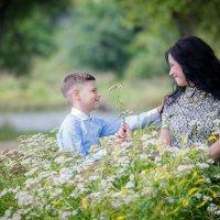Цветы для мамы... :: Виталий Левшов