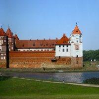 Вид на Мирский замок :: lady-viola2014 -