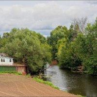 Домик у реки... :: марк