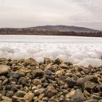 Замерзшее озеро :: Марина Кириллова