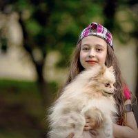 Девочка с собачкой. :: Николай