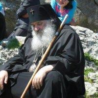 Bishop Thodeoz :: Beso