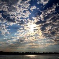 Небо над рекой Днепр :: Эдуард Аверьянов