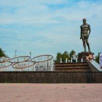 Памятник Ивану Ярыгину. :: юрий Амосов