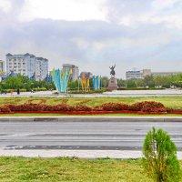 Площадь Ынтымак :: Анатолий Чикчирный