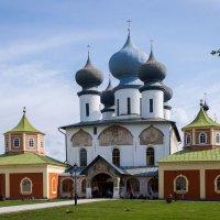 Тихвинский Богородичный Успенский монастырь :: Роман никандров