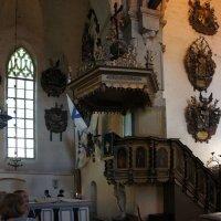 Кафедра (1686 г.) К. Аккерман, которую держит деревянная скульптура Моисея с 10 заповедями :: Елена Павлова (Смолова)