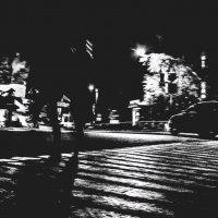Весь мир — театр, а выходы из него — на каждом уличном перекрестке. :: Евгений Голубев