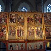 В церкви Нигулисте. Многостворчатый алтарь :: Елена Павлова (Смолова)