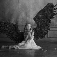 Плачущий ангел :: Виктория Иванова