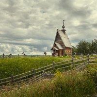 Силуэт храма знакомый с детства. Плёс. :: Андрей Курдюков