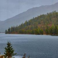дождь на озере Кёк кёль :: Николай Мальцев