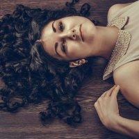Черноволосая девушка :: Марина Кириллова