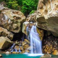 Красивый водопад на экскурсии :) :: Андрей Гриничев