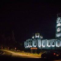 Храм в селе Середниково :: Валерий Гудков