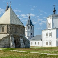 Мавзолей и церковь Успения. Соседство религий :: Андрей Щетинин