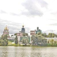 Новодевичий монастырь :: Олег