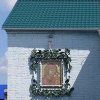 Икона на стене церкви :: Вера Щукина