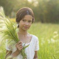 девочка в поле. :: Светлана Бурлина