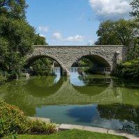Двухарочный мост (1885 г.) через р.Эйвон (г.Стратфорд, Канада) :: Юрий Поляков