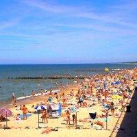 Городской пляж :: Сергей Карачин