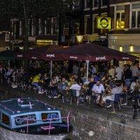 Ночная тусовка в квартале Красных Фонарей (Амстердам) :: Tatiana Poliakova