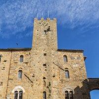 Вольтерра. Палаццо Преторио. Башня Торре дель Подеста. :: Надежда Лаптева