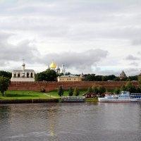 Новгородский Кремль с правого берега Волхова. :: tatiana