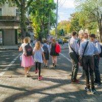 Сентябрь на улицах города. :: Вахтанг Хантадзе