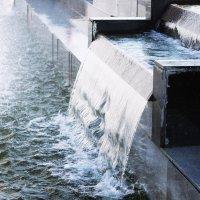 Водопад у фонтана :: Aнна Зарубина