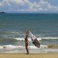 Что такое счастье? Это белый песок, это лазурные небеса и соленое море... :: Вадим Якушев