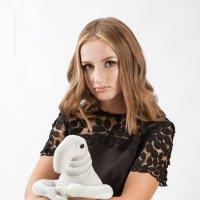 Когда у тебя ДР, а гости опаздывают, на помощь приходит Ждун и помогает... ждать  :: Юлия Гасюк