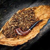 Почувствуйте медово-ябочный аромат табака :: Сергей Кузнецов