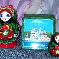 Натюрморт с матрешками и шкатулкой из Великого Устюга. :: Светлана Калмыкова