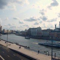 Москва - река , вид с парка Зарядье. :: Владимир Драгунский