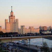 Парящий мост в парке Зарядье. :: Larisa Ereshchenko