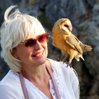Женщина и птица :: Валерий Новиков