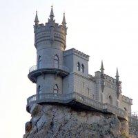 Ласточкино гнездо в Крыму :: Валерий Новиков