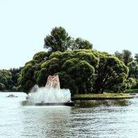 Нижний остров Верхнего Царицынского пруда («Птичий остров») (Москва) :: Александр Качалин