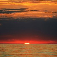 Солнце в море утонуло... :: Галина Ильясова