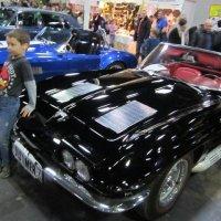 На этой выставке машин... :: Дмитрий Никитин