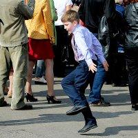 ... танцующий мальчик ... :: Дмитрий Иншин