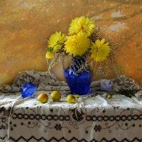 А осень все свои картины, рисует в цвете золотом... :: Валентина Колова