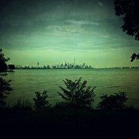 Вид на город :: Alexander Dementev