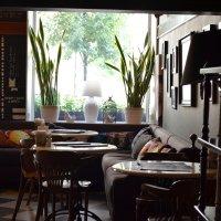 Уютное кафе :: Сергей Михайлов